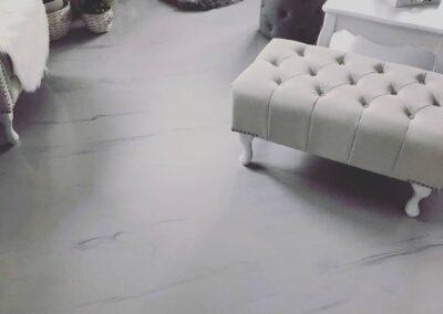 Mramorová polyuretanová podlaha v hedvábném matu